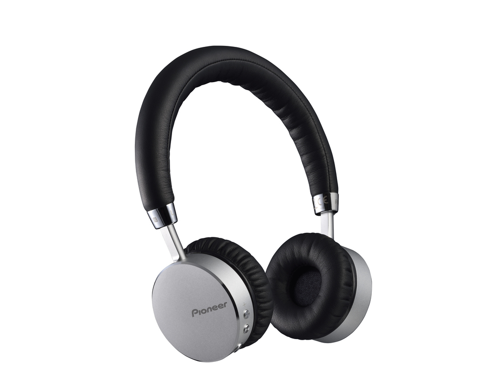 Over Ear Headphones With Built-in Microphone Silver