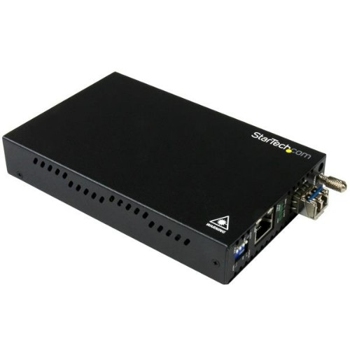 StarTech.com Gigabit Ethernet Copper-to-Fiber Media Converter - SM LC - 20 km