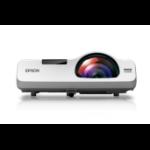 Epson PowerLite 525W data projector 2800 ANSI lumens 3LCD WXGA (1280x800) Desktop projector White