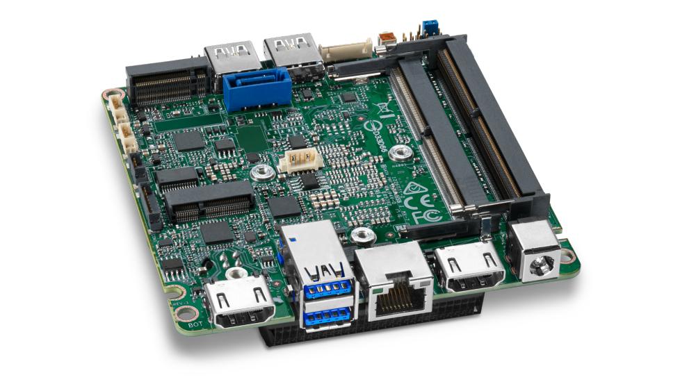 Intel BLKNUC7I7DNBE placa base BGA 1356 UCFF